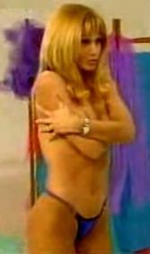 Paula Martinez. Escena, Rompeportones. 1998
